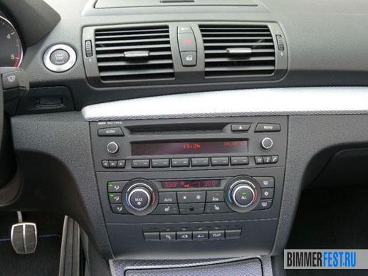 Панель-управления-на-BMW-118d-E88-Cabrio.jpg
