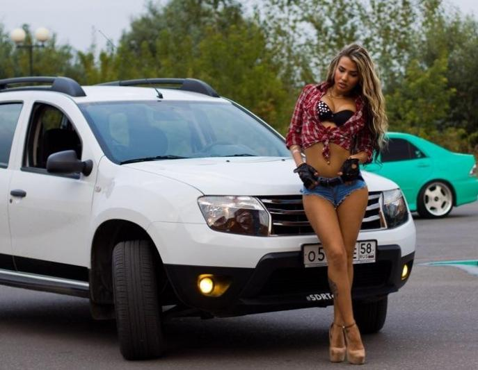 renault-duster-girls-photo-2.jpg